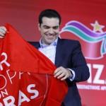 tsipras_atene_con_la_bandiera