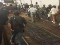 Ferrovia Roma Nord, soppresse 8 corse. A Flaminio la calca dei pendolari finisce sui binari
