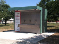 Furto ai distributori automatici di acqua potabile: tre arresti