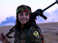 Il coraggio delle donne curde. Che i grandi della terra ignorano