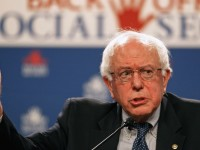 Bernie Sanders blocks Obama's FDA nominee over Big Pharma ties