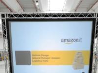 Amazon, il successo nasce dal caos: viaggio nel super magazzino italiano