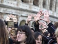 Duecentomila donne in piazza. Ma niente