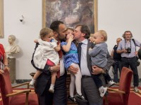 Due vittorie per i genitori gay
