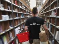 """Non solo robot, sono Amazon e le altre aziende """"superstar"""" che stanno schiacciando i lavoratori"""