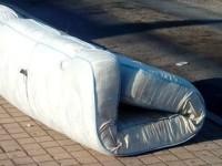 Al capolinea Cotral di P. Corese il materasso è ancora sulla banchina