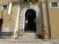 Parte del palazzo comunale di Fara Sabina venduto all'Ater per i corsi universitari