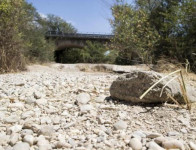 Emergenza siccità: il letto del torrente Aia a Stimigliano, Rieti. Fotografia di Massimo Percossi, Ansa