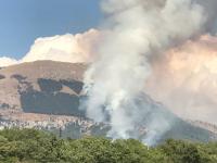 """La scritta """"Dux"""" sul monte Giano bruciata dalle fiamme"""