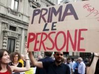 Prima gli sfruttati, scendiamo in piazza perché il problema non sono gli immigrati. Ma i ricchi