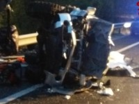 Schianto frontale sulla Salaria, 4 morti: strada chiusa, traffico in tilt
