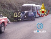 incidente_tra_auto_e_pullman_cotral_strada_statela_313_colonnetta