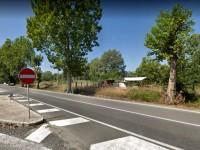 Incidente sulla Salaria: fuori strada con l'auto, esce dalla vettura e viene investito