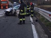 Altro incidente sulla Salaria. Scontro tra un'auto e un camion