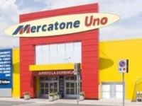 Mercatone Uno, protestano i clienti che hanno dato la caparra per fare acquisti