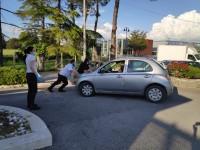 La riapertura del McDonald's di Capena: tra file, carabinieri e macchine spinte a mano